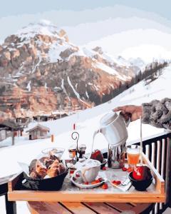 Картины по номерам Завтрак у швейцарских гор
